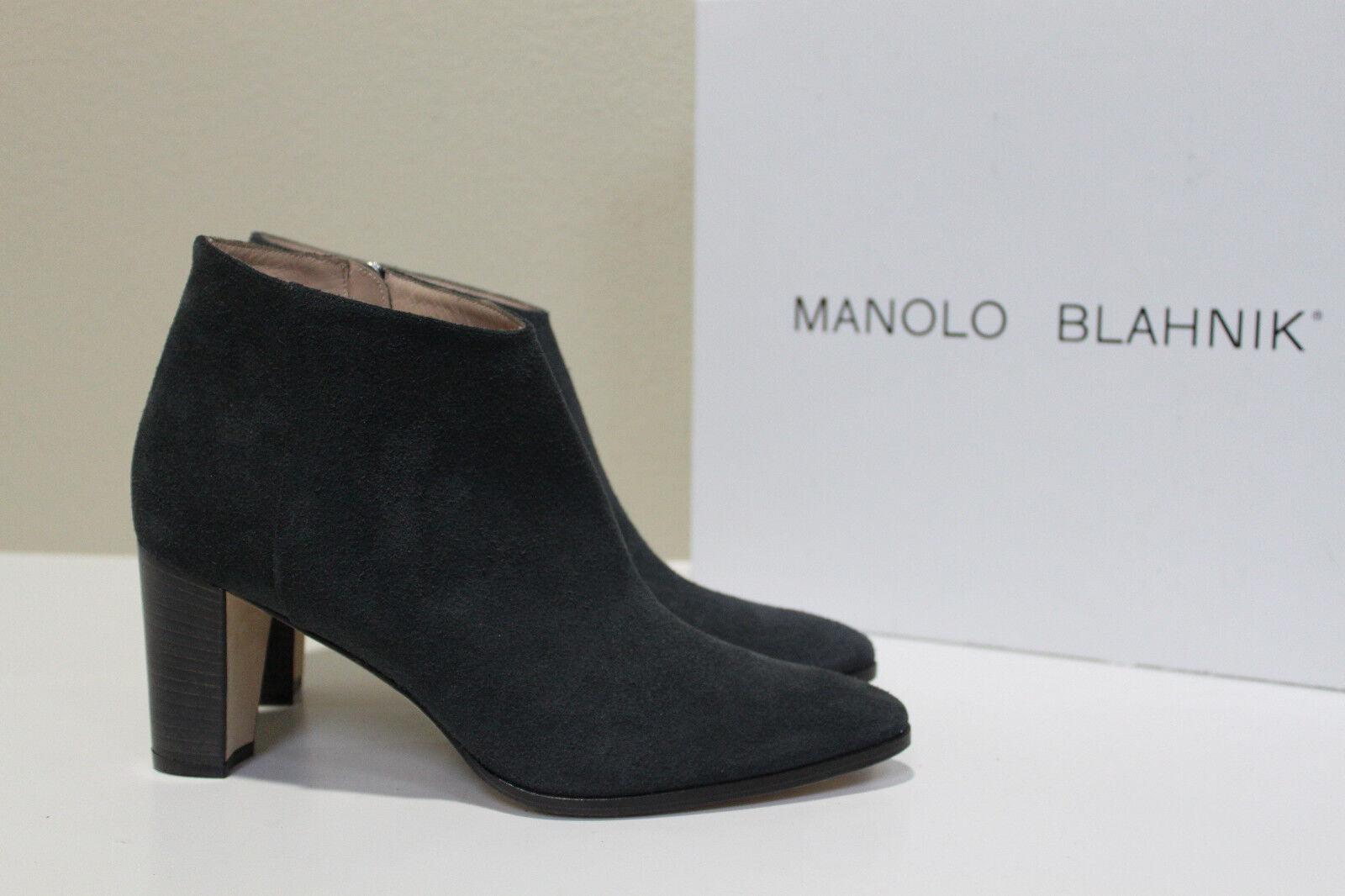 New sz 10 / 40 Manolo Blahnik Brusta Gray Suede Pointed Toe Ankle Bootie Shoe