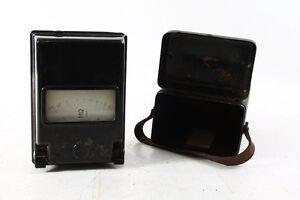 Nice-Old-Ohmmeter-in-case-Bakelite-Portable-Cult-Retro