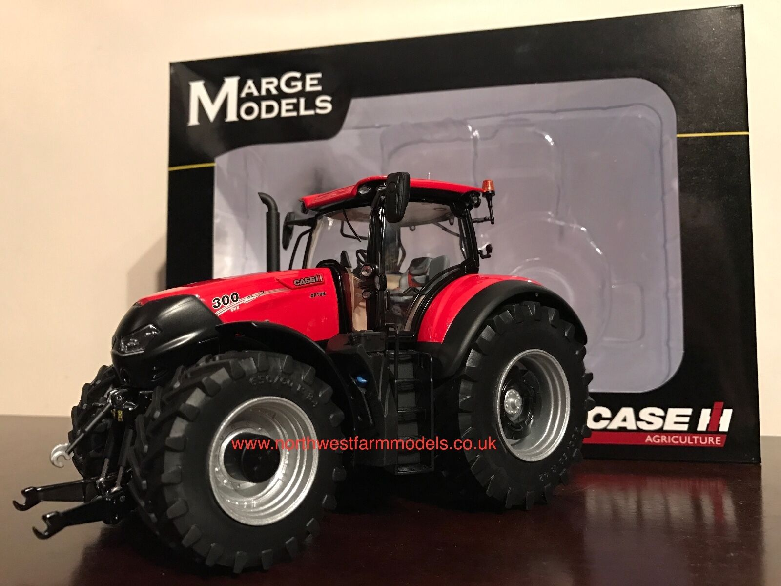 MARGE ModelllS 1 32 SCALE Fall 300 OPTUM Modelll TRACTOR  NEW
