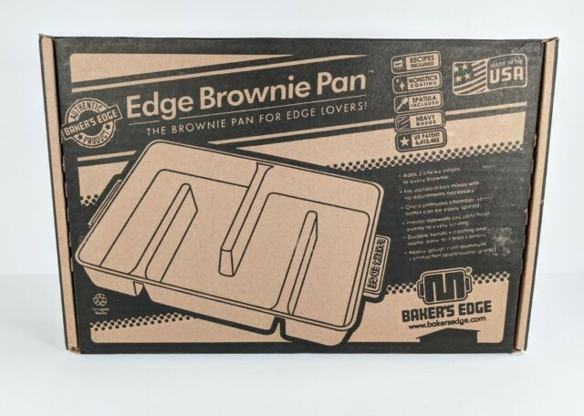 New In Box Baker's Edge Nonstick Edge Brownie Pan With Spatula