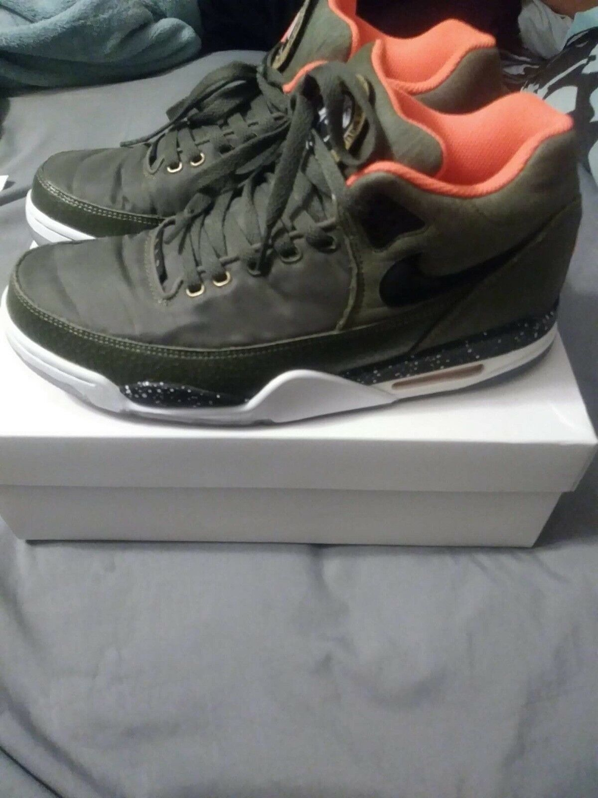 Men's Nike Green, size 10. Great Condition