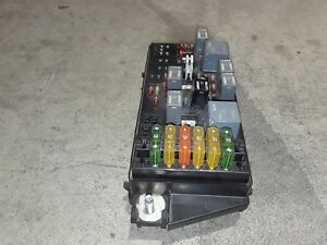 00 02 corvette c5 engine bay underhood fusebox fuse box block 84 Corvette Fuel Pump Relay