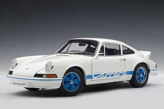 PORSCHE 911 Carrera 2.7 RS 1973 Entenbürzel Blau blau weiss Weiß AUTOart 1 18  | Elegante Form