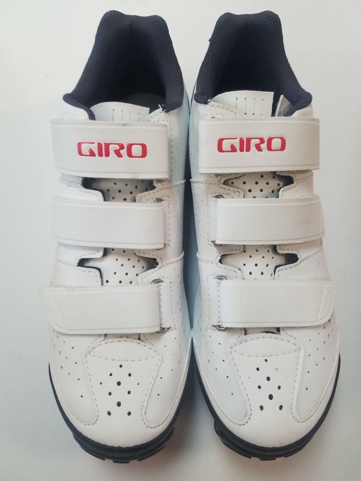 NEW in Box Giro Riela R Womens Cycling shoes US 9 MTB shoes