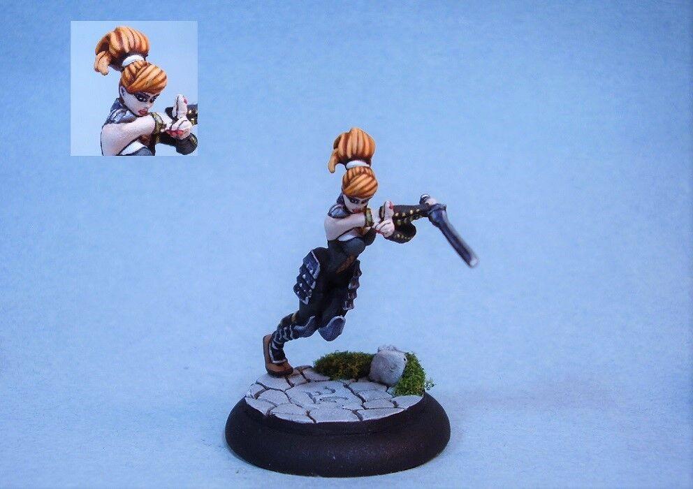 Målad miniatyr sexig kvinna Ninja krigare