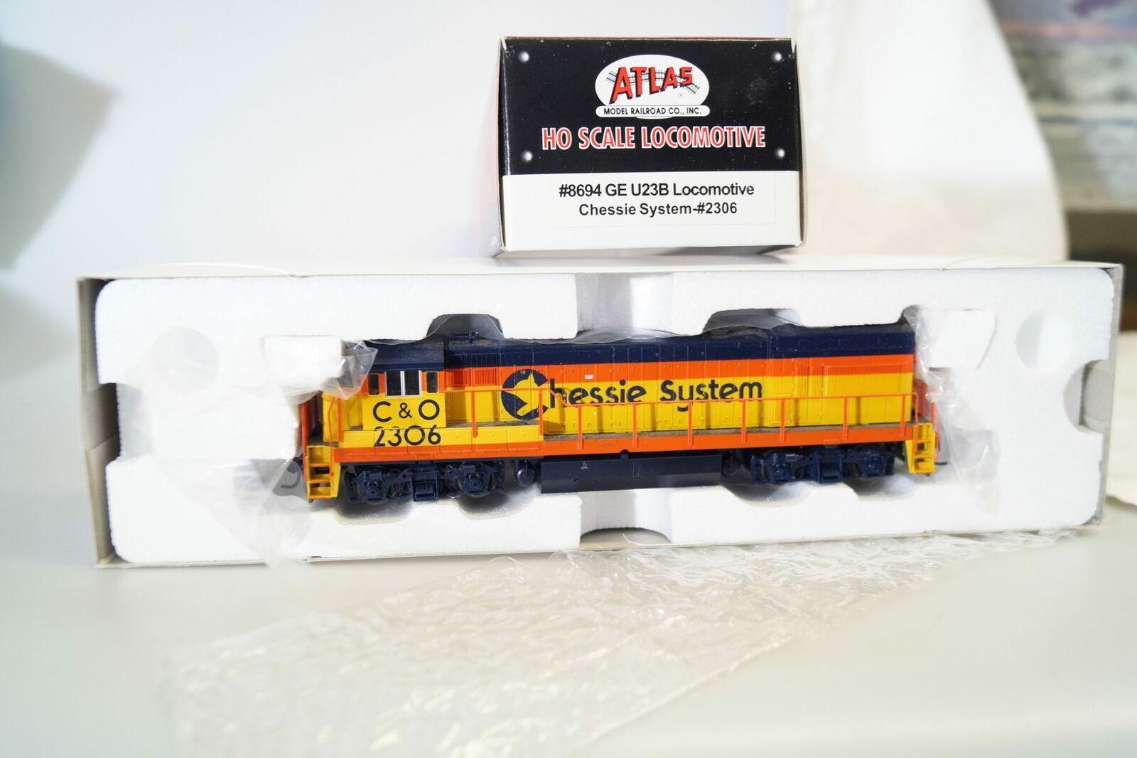 H0 8694 Atlas Classic Locomotora Diesel de Ee.uu. Ge U23B Chessie System  2306