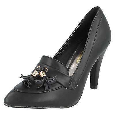 Spot on F9614 Ladies Negro PU Court Shoe con Borla Tacón De 3.5 (R34B) (Kett)