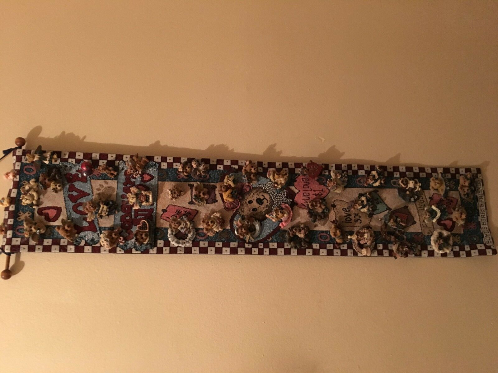 40 Pins & Boyd's Bears Bears Bears Tapestry Bell Pull Wall Hanging Love Conquers All 39