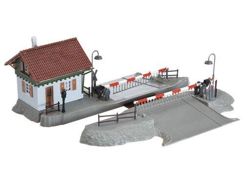 FALLER 120174 Bahnübergang mit Schrankenwärterhaus Bausatz H0