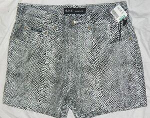 New Juniors R V T Brand Hot Shorts Snakeskin Designed s