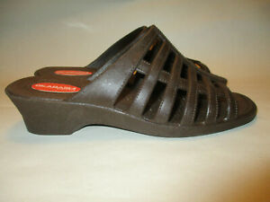 Okabashi Sienna Every Day Womens Brown Slip on Strappy Low Wedge Comfort Sandals