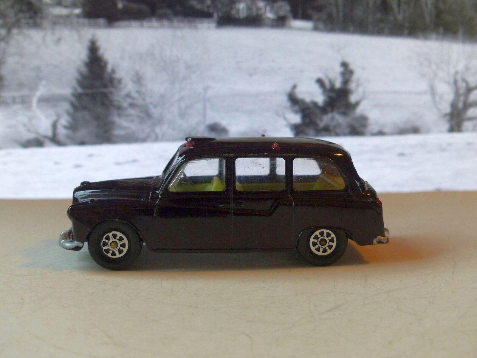 Corgi Toys 418 Austin Taxi in deep maroon with Gelb interior