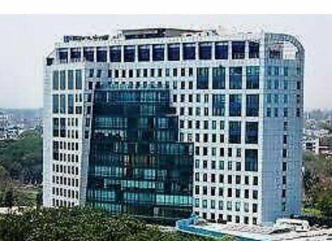 Rento 80 M2 oficina en Torre Empresarial