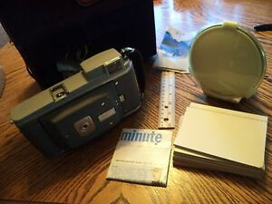 Vintage-Polaroid-Model-80A-Land-Camera-with-BC-Flash-Model-281