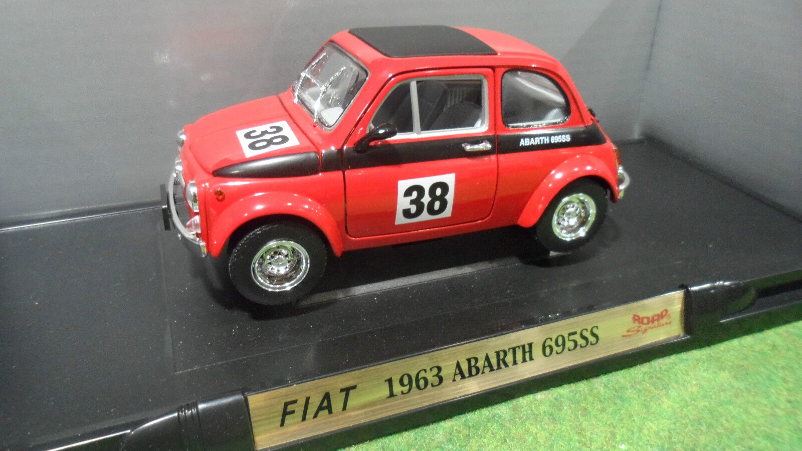 FIAT ABARTH 695SS  38 rge 1 18 ROAD SIGNATURE 92338 voiture miniature collection