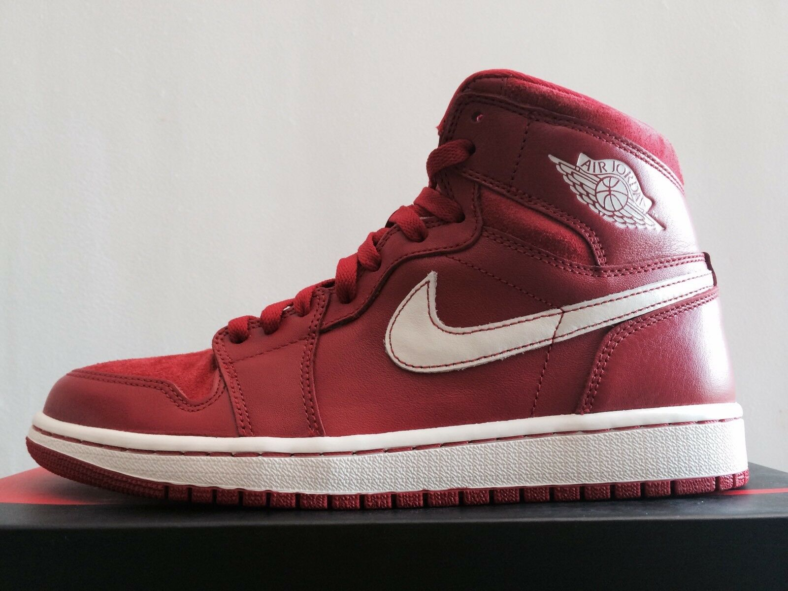 2018 NIKE AIR JORDAN 1 OG RETRO HI Price reduction The latest discount shoes for men and women