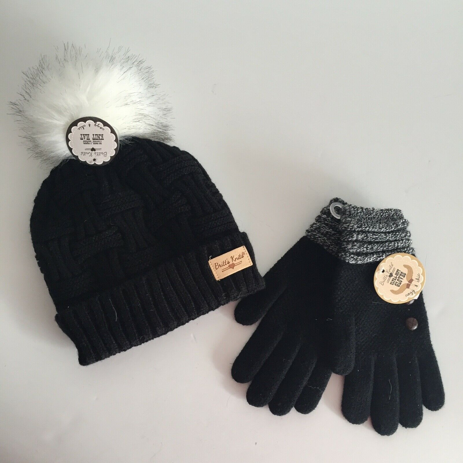 Britt's Knits Women's Hat and Glove Set Acrylic Pom Pom Plush Lined One Size NWT