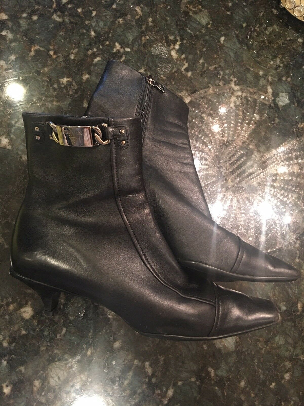Authentic PRADA Women's black leather ANKLE SHOE BOOTIES BOOTS Size 8/ 38