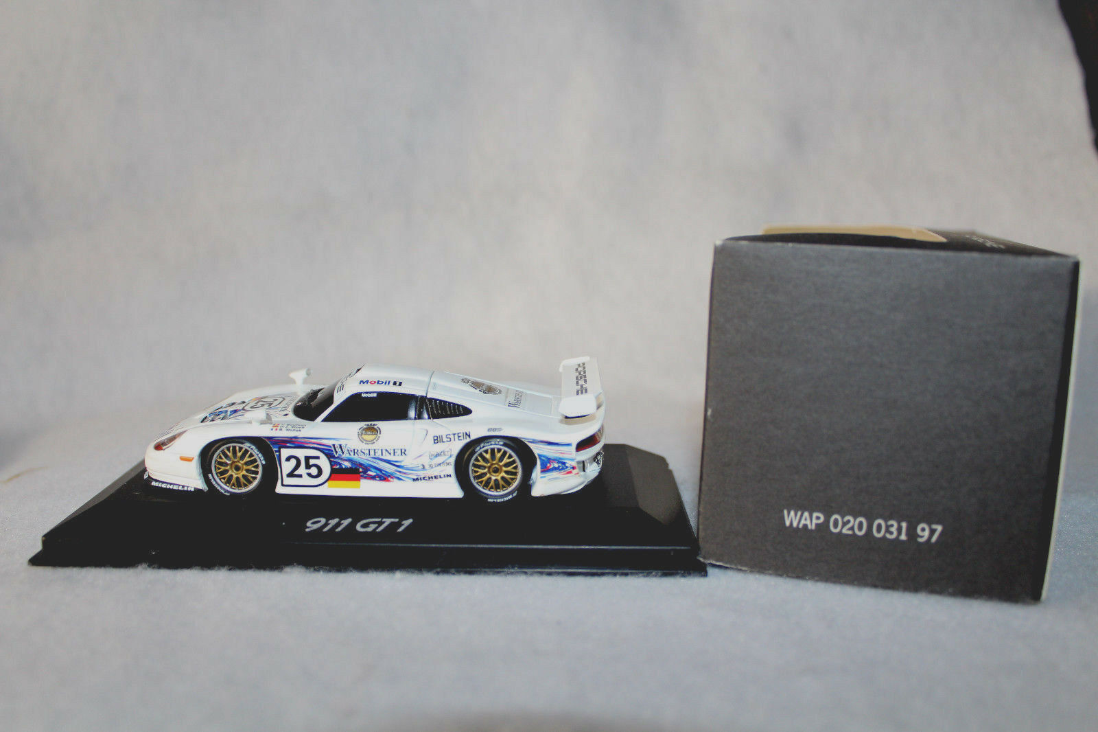 basso prezzo del 40% Minichamps 1 43rd Scale Scale Scale Porsche 911 G1,  25, Mobil1-Guerrasteiner  alta qualità generale