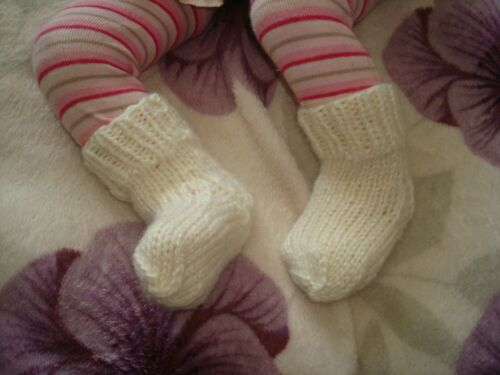 Beautiful Hand Knitted Baby Bootees Aged 0-3 months