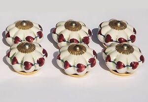 pomelli-in-ceramica-per-armadio-TIRA-bianco-fiore-a-prugna-CUORI-Raccordi-ottone