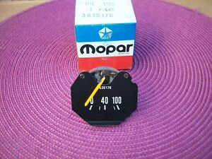 NOS-MoPar-1972-73-74-75-76-77-78-79-80-Dodge-Truck-Ramcharger-Oil-Pressure-Gauge