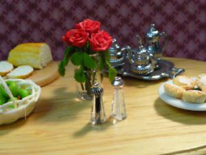 Humoristique Maison De Poupées Miniature Salt & Pepper Pots Condiments 1:12th échelle-afficher Le Titre D'origine Les Consommateurs D'Abord