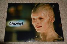 ALICE KRIGE  signed  Autogramm 20x25 cm In Person STAR TREK BORG QUEEN