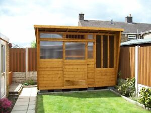 Pigeon loft - 10x6 2 Section with Netting Door and Hatch into Aviary