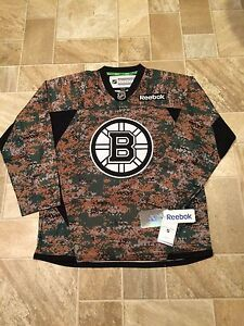 newest 3df1a fa478 Details about REEBOK PREMIER NHL BOSTON BRUINS CAMO JERSEY SIZE SMALL BRAND  NEW WITH TAGS