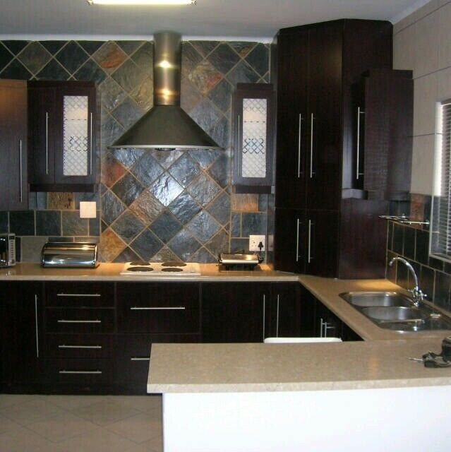 fully furnished flat in St Peters Rd Southernwood for females