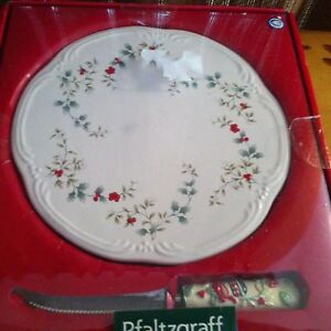 PFALTZGRAFF-WINTERBERRY-Cheese-Plate-Dish-with-Knife-NEW-IN-BOX