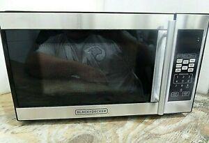 Black Decker 0 7 Cuft Microwave Oven Em720cpn Pmb