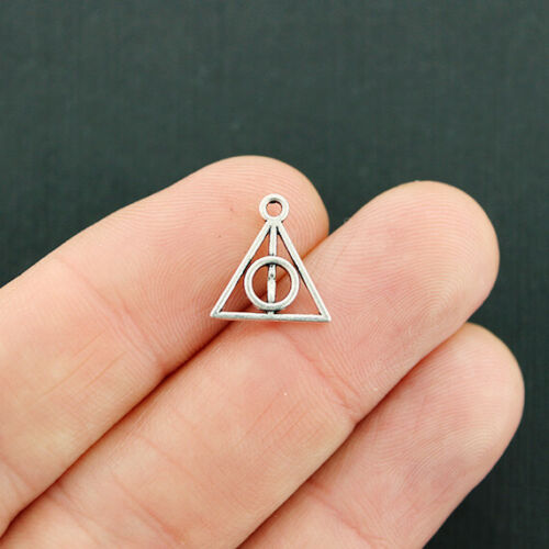 SC2102 10 Geometric Triangle Charms Antique Silver Tone 2 Sided