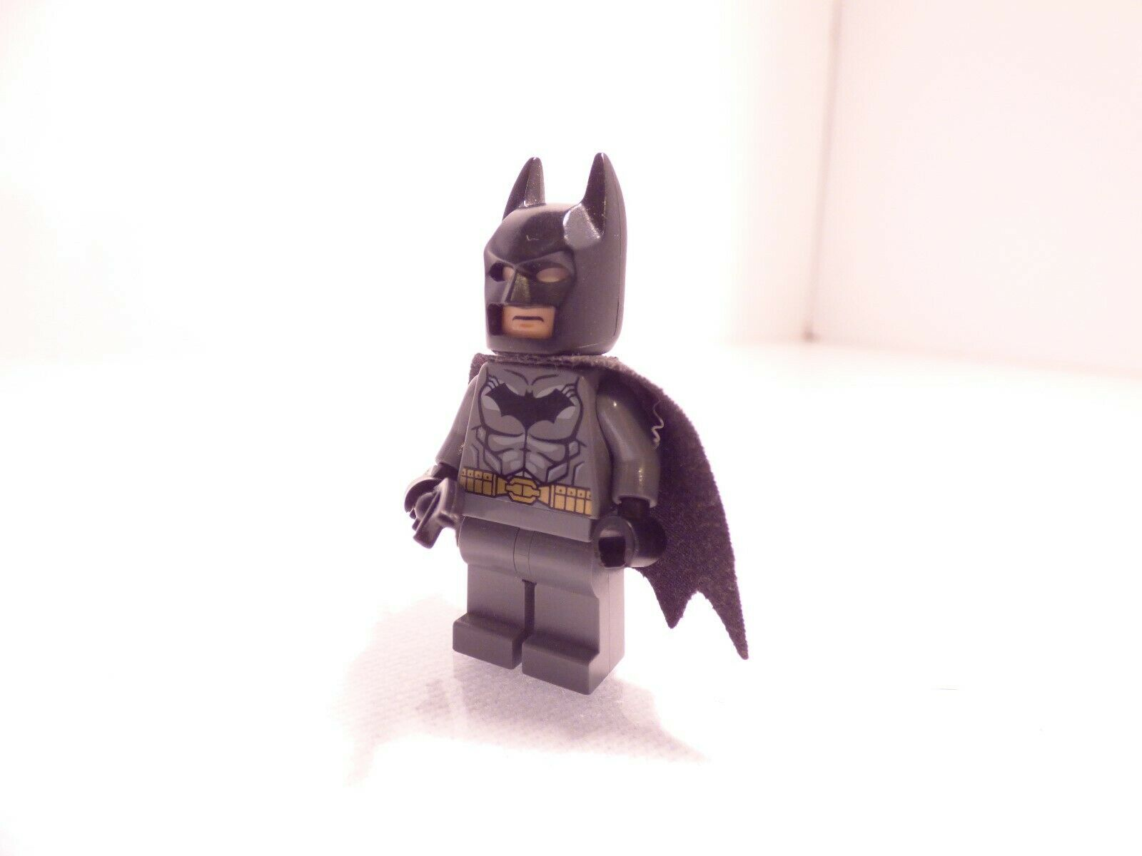 LEGO DC Super Heroes Bruce Wayne with whip MINIFIG from Lego set #76122 New