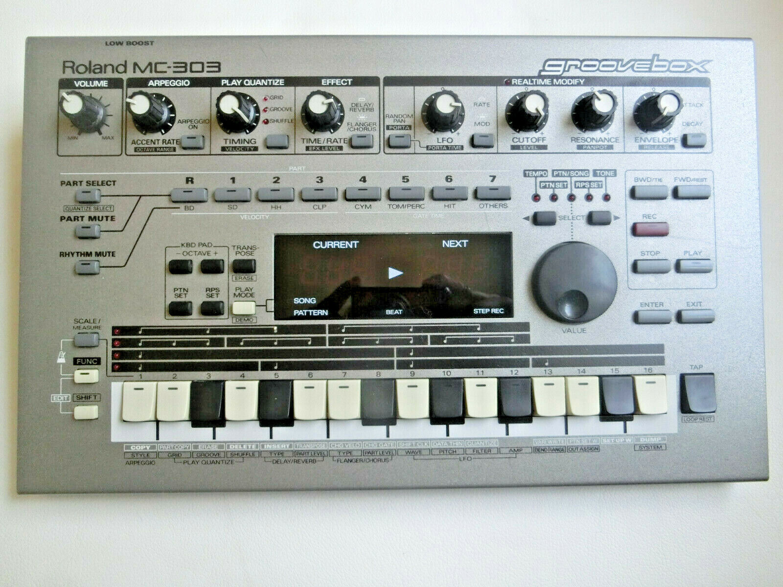 Never Used-Original Owner (Watch Video) Roland MC 303 Groovebox