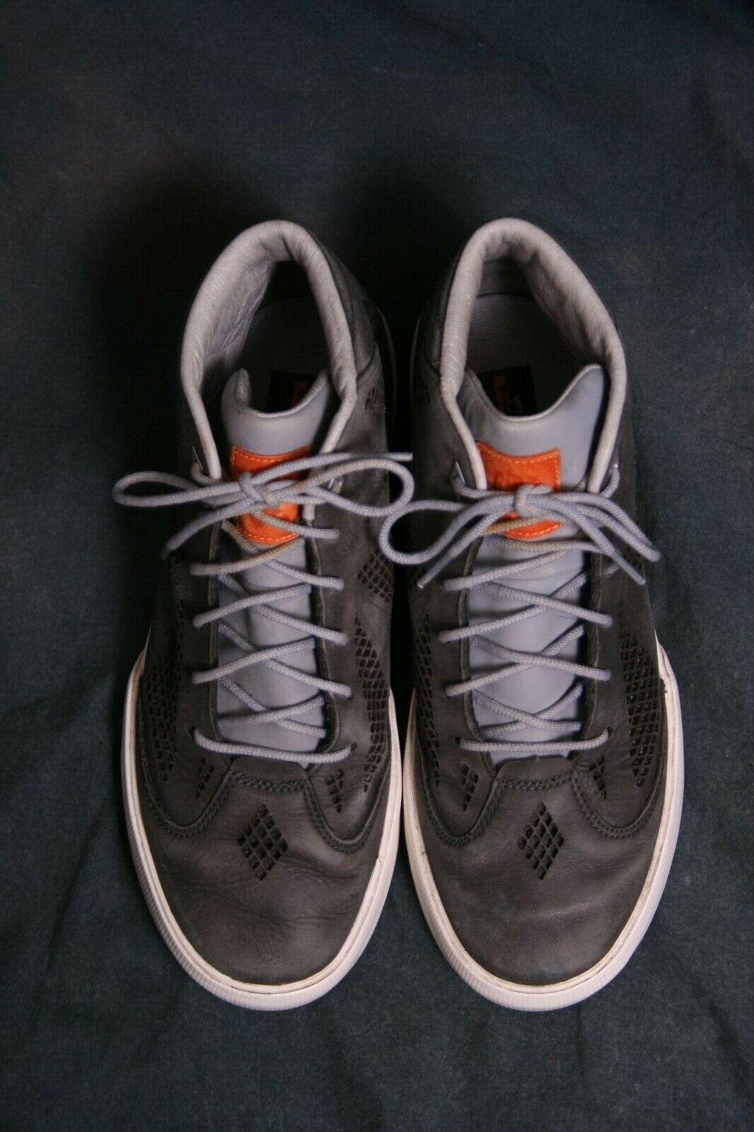 Nike Virescit Vulnere Virtus size 7 trainers