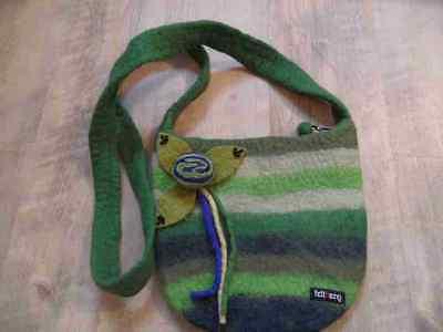 FELTBERG schöne Filz Handtasche grün m. Blume w. NEU HA1116