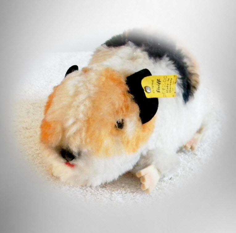 Steiff stuffed Guinea Pig named Swiny - with ear tags