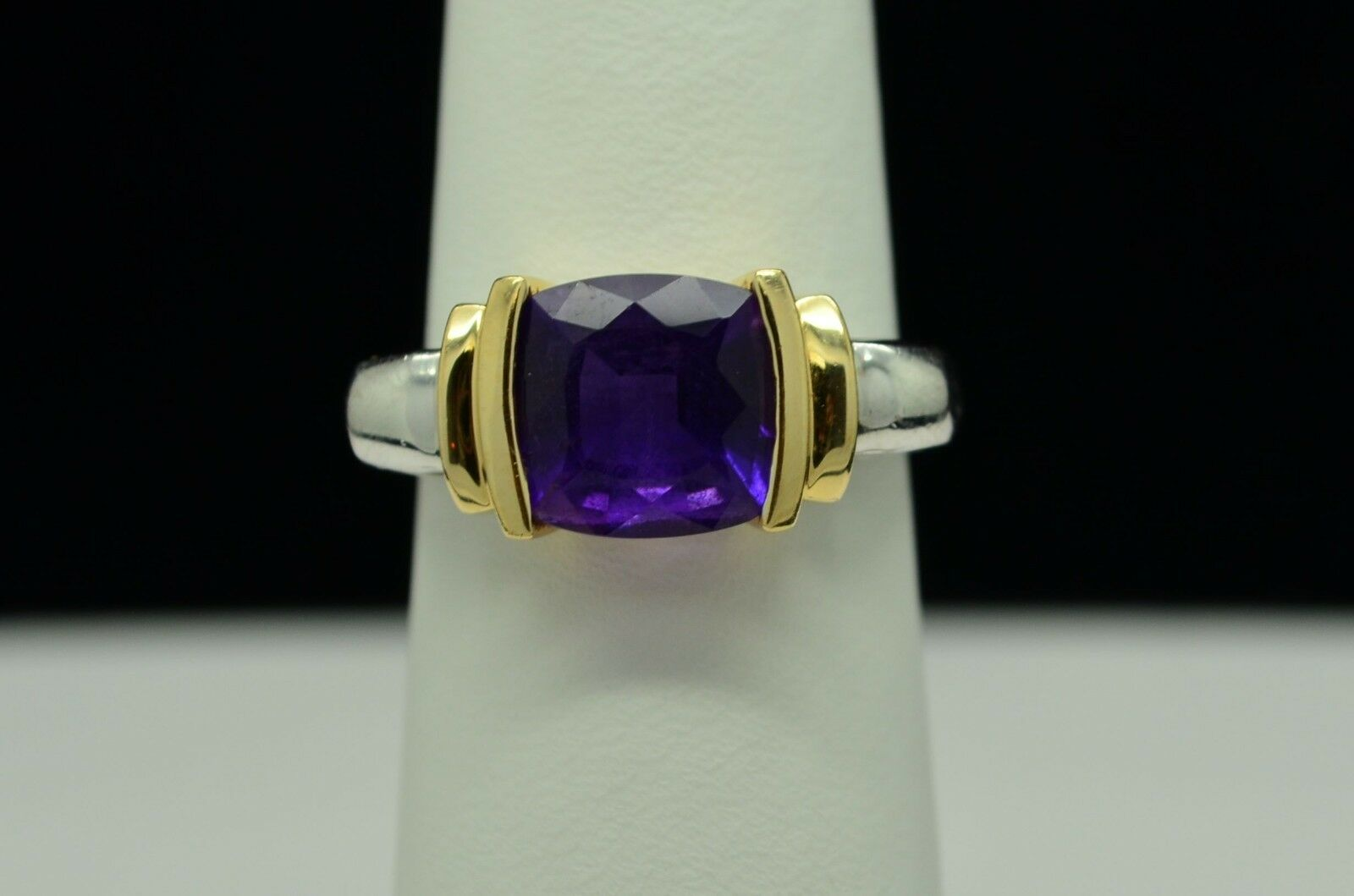 14K YELLOW AND WHITE gold BEAUTIFUL AMETHYST RING SZ 6.5 gold-105
