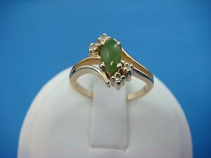!NICE 14K YELLOW GOLD JADE AND DIAMONDS SMALL LADIES RING, 3 GRAMS SIZE 5.25