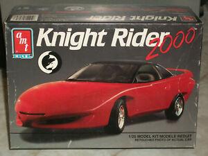 AMT 8084 KNIGHT RIDER 2000 1//25 KIT Model Car Mountain FS