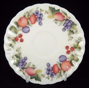 Wedgwood-039-Harvest-Fruit-039-Bone-China-Orphan-Saucer-1991