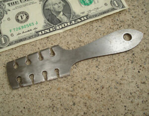 Antique-Or-Vintage-Saw-Tooth-Setting-Tool-Slotted-Wrest-Sawset-Raker