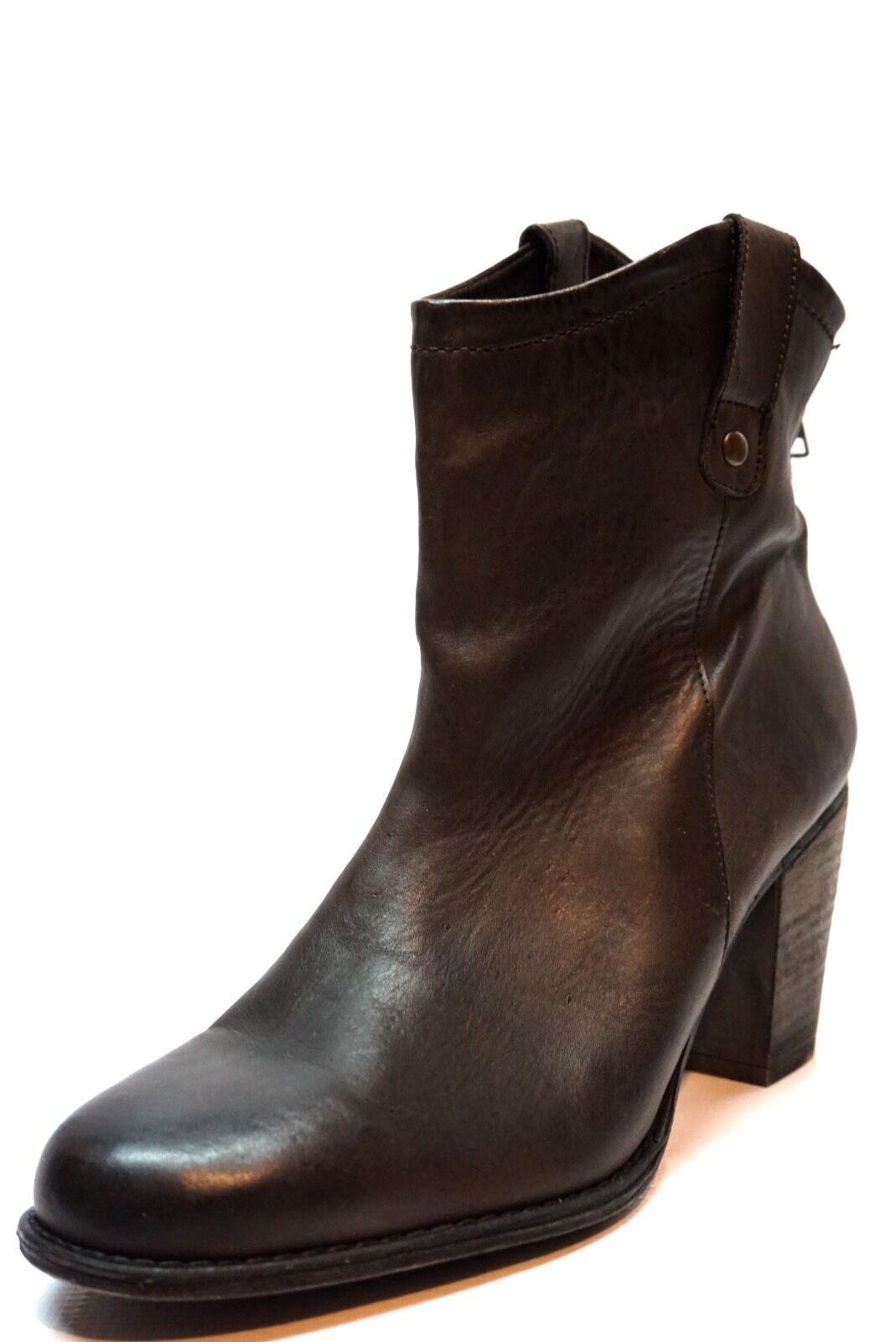 ZIGI GIRL Taralyn Brown Leather Western Ankle Boots Women's Size 10 M