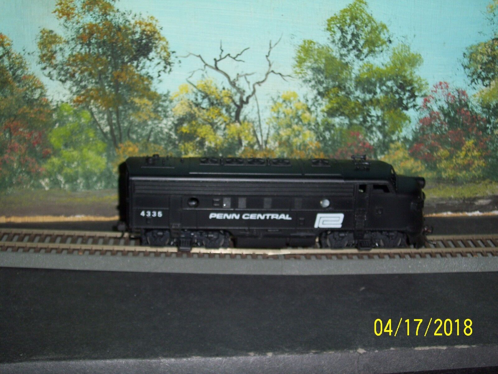 ATHEARN HO SCALE  4335 DRIVE UNIT F7A PENN CENTRAL VARNEY OR LIFE-LIKE BODY