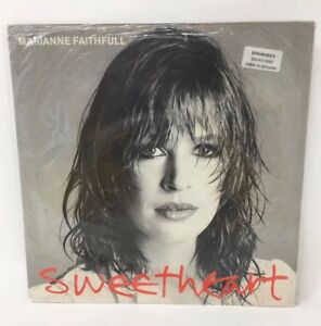 Marianne-Faithful-Sweetheart-45-RPM-Record-Island-WIP6752-18-2112