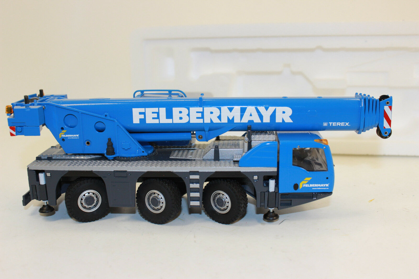 Conrad 2116 02 Terex 3160 Challenger Mobilkran Felbermayr Felbermayr Felbermayr 1 50 NEU in OVP 1f12b7