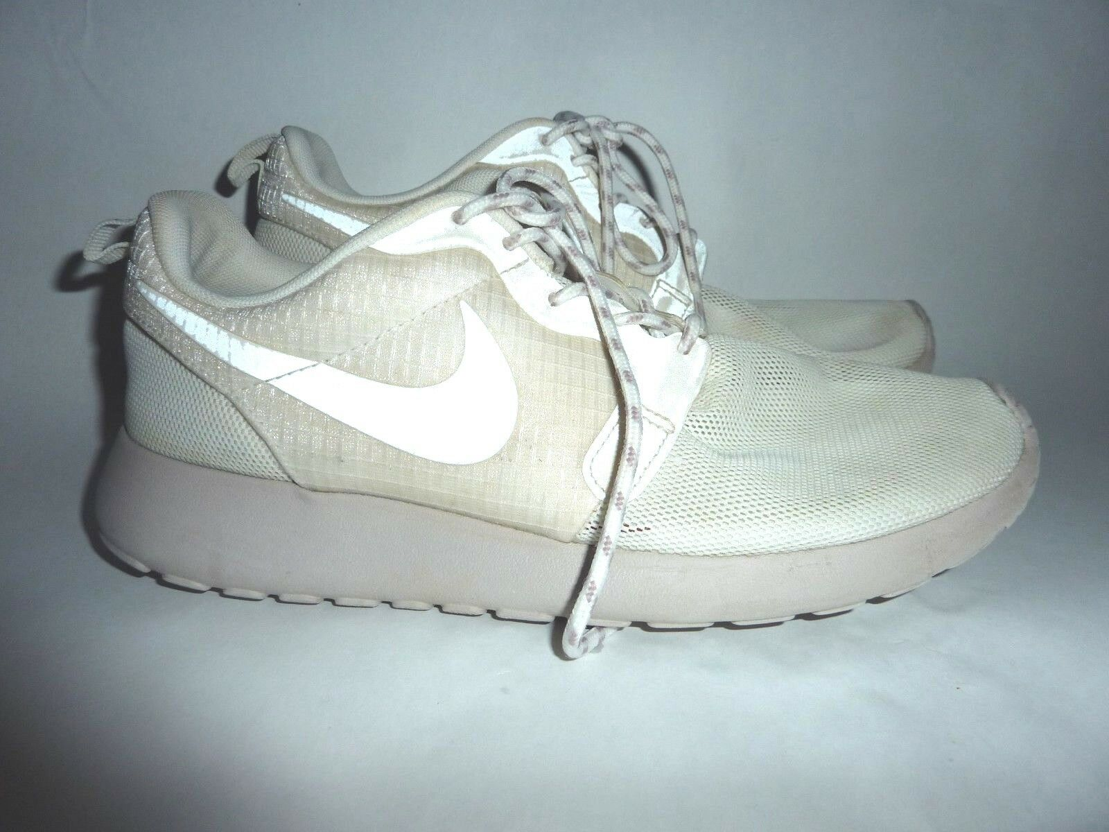 Nike runners women's size US 7.5 Wild casual shoes