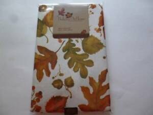 Thanksgiving Fall Tablecloth Cream Fall Leaves, Acorns, Berries 5 Sizes UPIC NEW